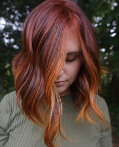 Fall Color Trend: 68 Warm Balayage Looks Red Copper Hair Color, Hair Color Auburn, Auburn Hair, Dark Copper Hair, Ginger Hair Color, Fall Red Hair, Burgundy Hair, Fall Winter Hair Color, Maroon Hair