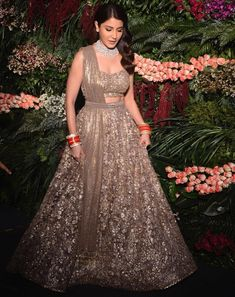 Find top 21 trending metallic bridal lehenga designs for this wedding season. Metallic bridal lehenga designs you cannot afford to miss, must check out once. Indian Gowns Dresses, Indian Fashion Dresses, Indian Designer Outfits, Designer Dresses, Deepika Padukone, Sonam Kapoor, Wedding Lehenga Designs, Designer Bridal Lehenga, Bridal Dupatta