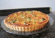 Póréhagymás-sonkás-brokkolis pite