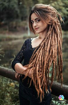 These are gorgeous dreads! Dreadlock Extensions, Dreadlock Styles, Dreads Styles, Hairstyle Names, Dreadlock Hairstyles, Messy Hairstyles, White Girl Dreads, Female Dreads, Rasta Hair