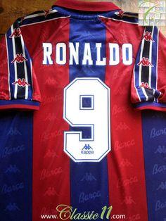 Relive Ronaldo's 1996/1997 season with this vintage Kappa Barcelona home football shirt.