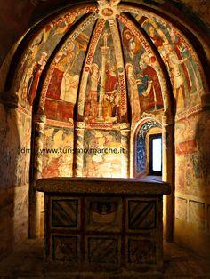 Offida: Church of S. Maria della Rocca: Medieval frescoes in the cripta. Marche, Italy