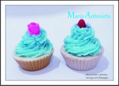 Sabonetes cupcake Laly Blue lembranças criativas, ideias emocionais, cheias de personalidade. Diy e craft com cara de únicas. www.facebook.com.br/lalybluelembrancascriativas