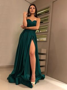 HONGFUYU Sweetheart Long Evening Dresses With High Split Sleeveless Elegant Women Formal Gowns 2019 Special Occasion Prom Dress Dark Green Prom Dresses, A Line Prom Dresses, Grad Dresses, Floor Length Dresses, Sexy Dresses, Strapless Dress Formal, Beautiful Dresses, Bridesmaid Dresses, Formal Dresses