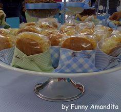Bem-casado ou biscoito amanteigado dentro da fraldinha de pano - Chá de Bebê