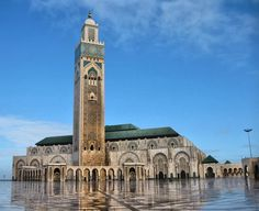 Watch: Hassan II Mosque - Casablanca, Morocco http://destinations-for-travelers.blogspot.com.br/2014/08/mesquita-hassan-ii-marrocos.html