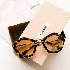 >>>Ray Ban Sunglasses OFF! >>>Visit>> Look at this Rayban Goldtone & Brown Aviator Sunglasses Ray Ban Sunglasses Outlet, Oakley Sunglasses, Sunglasses Women, Sunnies, Round Sunglasses, Miu Miu, Lunette Style, Fashion Eye Glasses, Necklaces