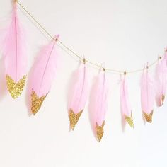 COTTON CANDY- Pink and Gold Glitter Dipped Feather Garland, Nursery Decor, Boho Wedding, Boho Nursery, Baby Show planning.