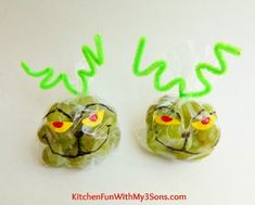 The Grinch Grape Snack Bags for Christmas Class Parties at School! Christmas Classroom Treats, Healthy Christmas Treats, School Christmas Party, Grinch Christmas Party, Christmas Snacks, Preschool Christmas, Homemade Christmas Gifts, Kids Christmas, Christmas Crafts