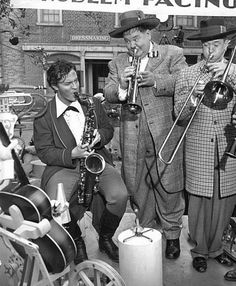 Orson Welles takes a break from playing Rochester in Jane Eyre to jam with Stan Laurel and Oliver Hardy on the set of Jitterbugs, on the 20th Century Fox lot
