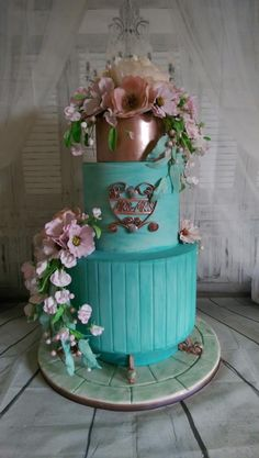 3 tier garden inspired with sugar & wafer florals Silver Award at Cake International 2017 in the Wedding cake category Beautiful Wedding Cakes, Beautiful Cakes, Amazing Cakes, Candy Cakes, Cupcake Cakes, Cupcakes, Drippy Cakes, Wafer Paper Flowers, Cake Accessories