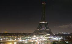 «Έσβησε» ο πύργος του Άιφελ σε ένδειξη πένθους