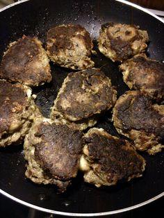 Eggplant meatballs http://lue-vegetarmad.blogspot.dk/2013/10/aubergine-frikadeller-eller.html