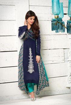 Priyanka Chopra.... beautiful ensemble