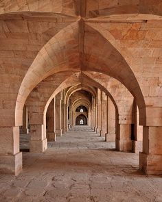 Mandu (India). 'Many of the tombs,  palaces, monuments and  mosques on Mandu's 20-sq-km  green plateau are among India's  finest Afghan architecture. The  Jahaz Mahal, aka Ship Palace, is  an odd beauty.