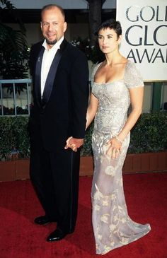 This photo is further proof that Bruce Willis and Demi Moore, who were married from 1987 to have found the secret to eternal youth. 1995 would be the year of Willis's cult classic Monkeys' and Moore's notorious flop 'The Scarlet Letter. Demi Moore, Bruce Willis, Golden Globe Award, Golden Globes, Celebrity Babies, Celebrity Couples, Hollywood Actresses, Actors & Actresses, Actrices Hollywood