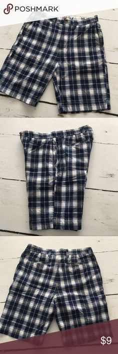 Men's Plaid Shorts Men's flat front Plaid shorts, waist 30. Navy, white and hints of yellow. Excellent Used Condition. These have both front and rear pockets. Clean look. Stafford Shorts Flat Front