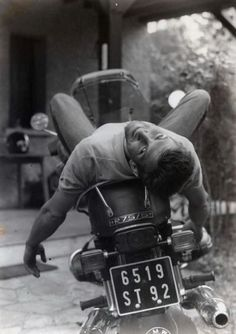 Appreciating the male form. artistically and erotically Keeping Up Appearances, Motorcycle Men, A Kind Of Magic, Raining Men, Mans World, Gentleman Style, Black And White Photography, Akira, Vintage Men