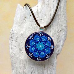 Mandala Kette blau  Zentangle Schmuck Boho Schmuck von KIMAMAdesign