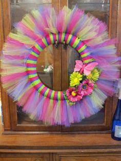Summer tulle wreath