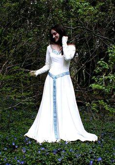 Katelyn Celtic Wedding Gown Dress- elegant and less costume-y Moda Medieval, Medieval Dress, Medieval Fashion, Irish Wedding Dresses, Wedding Dress Trends, Wedding Ideas, Celtic Clothing, Medieval Clothing, Medieval Wedding