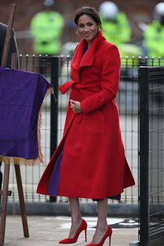 Despite reports she could give birth sooner, during an outing to Birkenhead on Monday, seen, Meghan was reportedly heard telling a bystander she is due at the end of April or beginning of May Mixed Girls, Harry And Meghan, Royal Fashion, Meghan Markle, Girl Power, Royals, Diana, Maternity, Daughter
