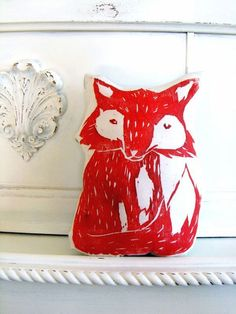 Plush Fox Pillow. Woodblock Printed. Choose ANY door LauraFrisk, $16.50  Maar dan in fuchsia of mint