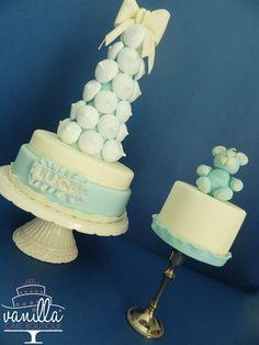 meringue cake and teddy bear minicake