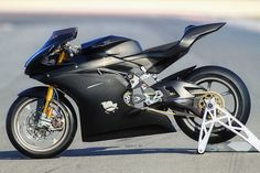 The Tamburini 'T12 Massimo'—A track bike with BMW S 1000 RR power.