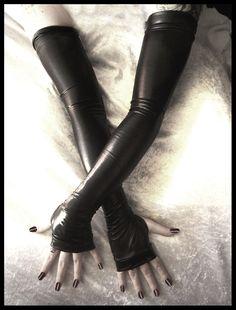 Aria Sanguine Wet Look Extra Long Arm Warmers - Black - Fetish Gothic  Vampire Cyber Lolita Bondage Dark Tribal Bellydance Opera Glam Goth 70e92b993abd4