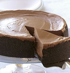 Triple Chocolate Cheesecake ~ This recipe is absolutely fabulous! Much better than the Cheesecake Factory's Chocolate Cheesecake. I think the Expresso really brings out the chocolate flavor. Just Desserts, Delicious Desserts, Dessert Recipes, Health Desserts, Yummy Food, Cupcakes, Cupcake Cakes, Triple Chocolate Cheesecake, Chocolate Cake