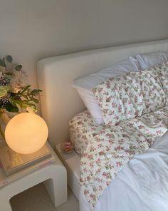 Room Ideas Bedroom, Home Bedroom, Bedroom Decor, Bedrooms, Bedroom Inspo, Deco Studio, Pastel Room, Pretty Room, Aesthetic Room Decor