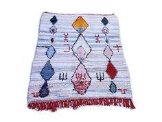 "81""X55"" Moroccan rug handwoven from scraps of fabric / boucherouite / boucherouette / kilim rug / beni ourain / moroccan wedding blanket"