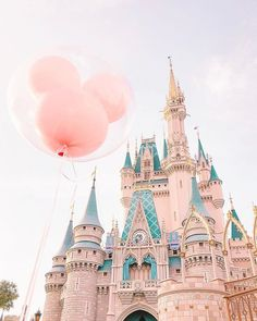 Disneyland Photos 2019 - Was auch immer wahr ist, was edel ist, was rein ist, was auch immer schön ist . Disney World Fotos, Disney World Pictures, Disney Worlds, Walt Disney World, Disney Amor, Disney Love, Disney Magic, Disney Parks, Disney Pixar