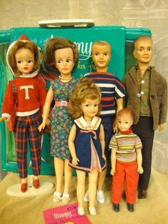 TAMMY FAMILY COLLECTION. I have the Mom but she is a platinum blonde...of course!