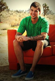 Rob Kardashian - the epitome of my perfect man.. at least the way he looks lol