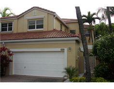 Townhouse, Miami, Garage Doors, Outdoor Decor, Home Decor, Decoration Home, Terraced House, Room Decor, Home Interior Design
