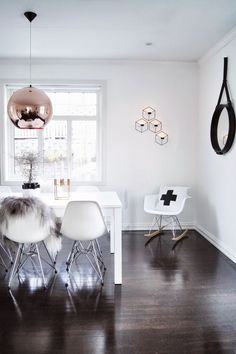This look is  fabulously slick and chic - certainly not one for fans of clutter! #IWANTTHATSTYLE