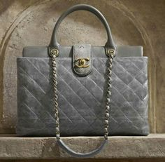 The Bags and Accessories of Chanel Paris Bombay Metiers dArt 2012 - search handbags, fashion handbags on sale, wholesale handbags and purses