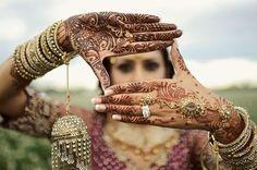 Mãos com hena