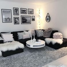When you're selecting your furniture for your cozy living room ideas, size and plushness count. Soft fabrics and lots of comfortable seating providing a warming and relaxing feel. apartment decorating 46 Cozy Living Room Ideas and Designs for 2019 Living Room Decor Cozy, Living Room Grey, Living Room Interior, Home And Living, Black And White Living Room Decor, Decorating Ideas For The Home Living Room, Cozy Living Room Warm, Black Living Room Furniture, Apartment Living Rooms