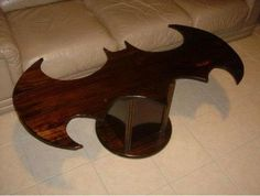 A Batman coffee table would be perfect in my nerd cave! Nerd Cave, Man Cave, Geek Furniture, Upscale Furniture, Funky Furniture, Custom Furniture, Furniture Ideas, I Am Batman, Batman Stuff