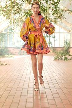 Runway Fashion, Fashion News, Fashion Show, Fashion Outfits, Fashion Trends, Dress Fashion, Spring Fashion, Fashion Inspiration, Women's Fashion