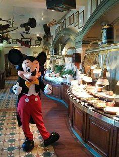 Disney On Ice, Disney Day, Disney Nerd, Disney Family, Disney Parks, Disney Pixar, Walt Disney, Disney Characters, Disney Resorts