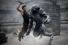 A gallery of Beyond Skyline publicity stills and other photos. Featuring Bojana Novaković, Frank Grillo, Iko Uwais, Callan Mulvey and others. Sci Fi Movies, Horror Movies, Art Movies, Fantasy Movies, Beyond Skyline, Hollywood Action Movies, Movie Pic, Movies Coming Out