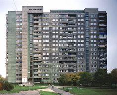 A study of concrete Gwiaździsta housing estate, Warsaw, Poland, 2002. © Nicolas Grospierre source