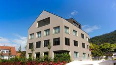 Mehrfamilienhaus in Oberwil bei Zug mit 6 Erstklassigen Wohnungen mit ausgezeichneter Seesicht.  Verkauf und Bewertung von Mehrfamilienhäuser, Einfamilienhäuser und Wohnungen in Zug und Zürich www.lungland.ch