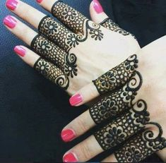 Here are the best Cute, Stylish, Simple and Easy Mehndi Design Images. Simple Mehndi Designs Images, Best Arabic Mehndi Designs, Full Mehndi Designs, Finger Henna Designs, Henna Designs Easy, Beautiful Henna Designs, Mehndi Images, Mehndi Designs For Hands, Tattoo Designs