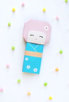 Print and fold this kokeshi doll for Hinamatsuri (Girls' Day, March 3rd).