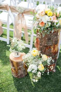 rustic boho tree stump wedding decor / http://www.himisspuff.com/rustic-wedding-ideas-with-tree-stump/6/